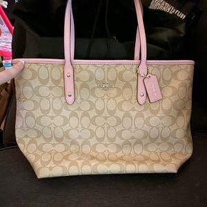 Coach medium tote bag